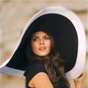 Mũ thời trang đi biển vành trắng kiểu Pháp